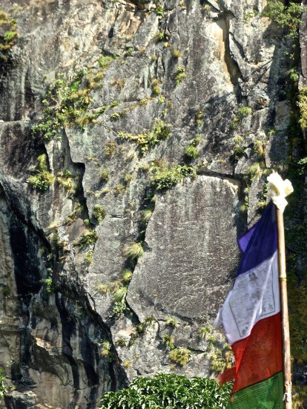 Le drapeau français au Népal, dans les Annapurnas